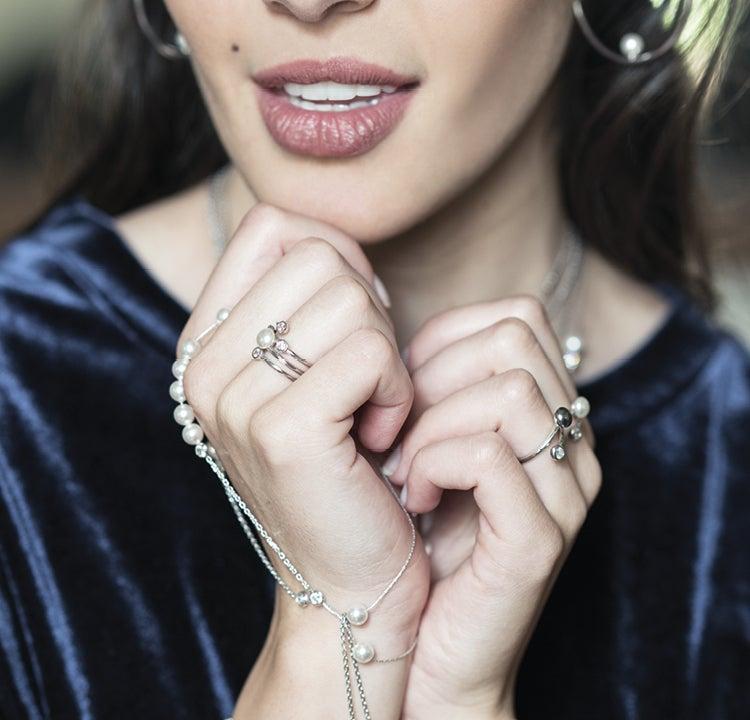 Perlen schenken: Welche Bedeutung hat dieser Schmuck ?