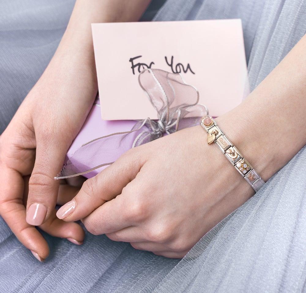 Was schenkt man am besten der eigenen Schwester ? Ein ganz besonderes Geschenk ganz allein für sie!