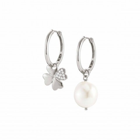 White_Dream_Earrings_with_Four-Leaf_Clover_Silver_earrings_with_pearl