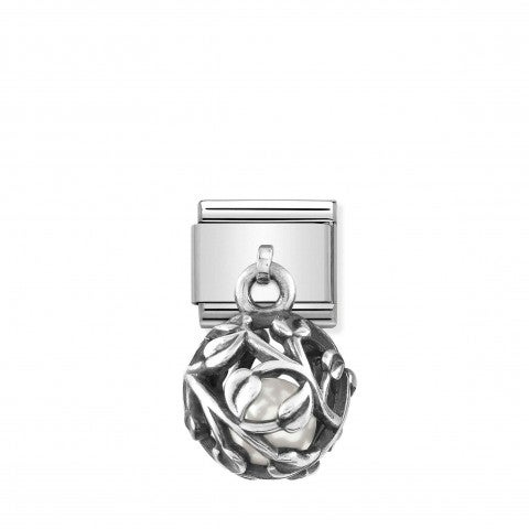 Composable_Pendant_Link,_Leaf,_Simulated_Pearl_Link_in_silver_with_Simulated_Pearl