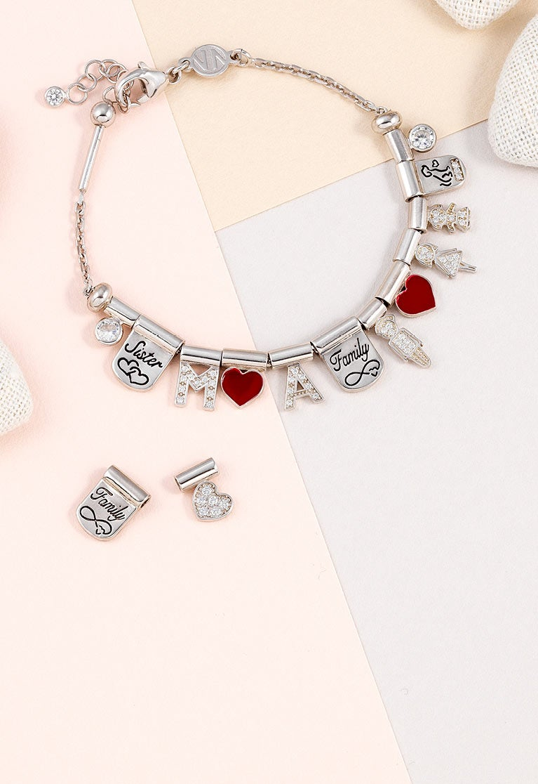 bracelets-necklaces-with-letters